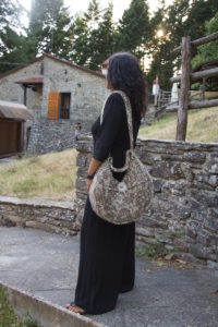 Half Moon Bag di Mariagrazia Berno