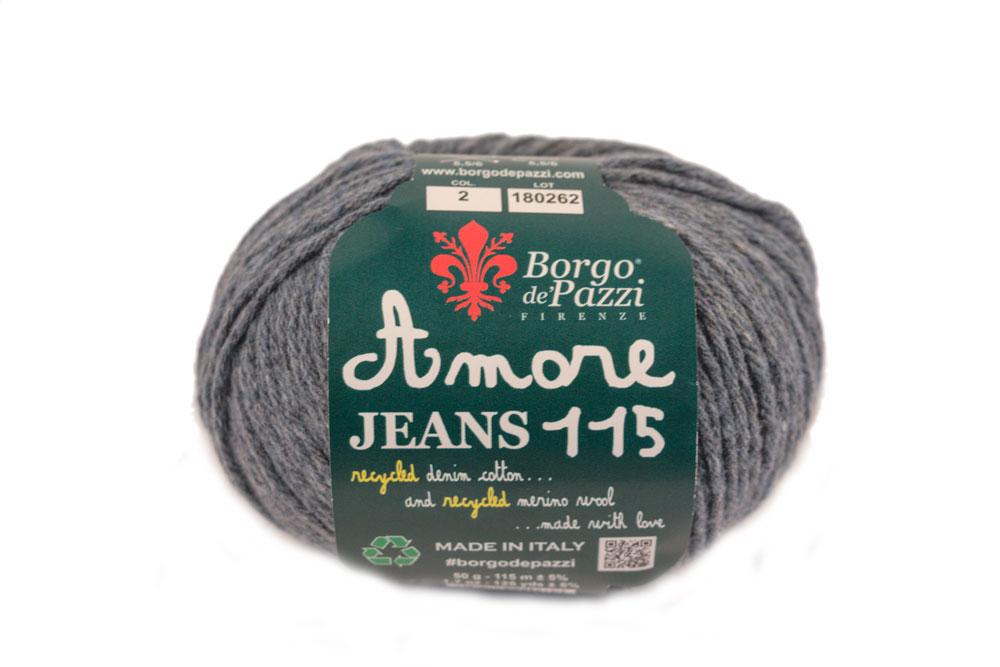 Amore Jeans è un filato la cui parte in cotone è realizzata riciclando tessuti o pantaloni denim dismessi